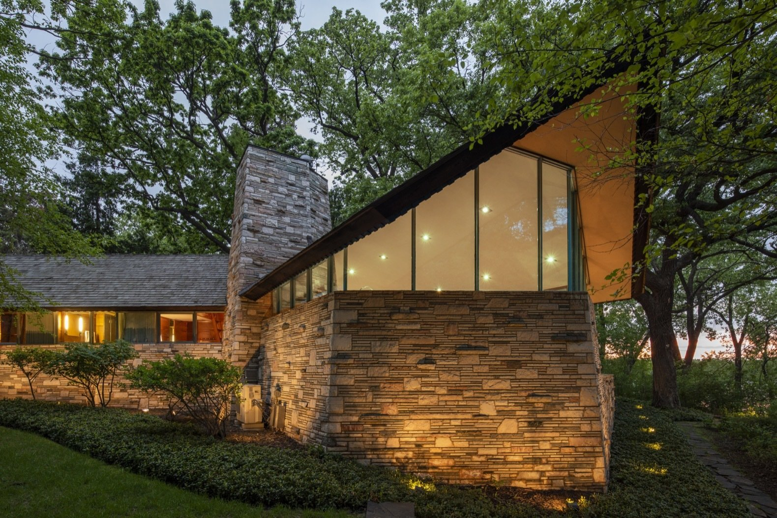 A Frank Lloyd Wright Home With Unusual Materials The Market At 3 4m