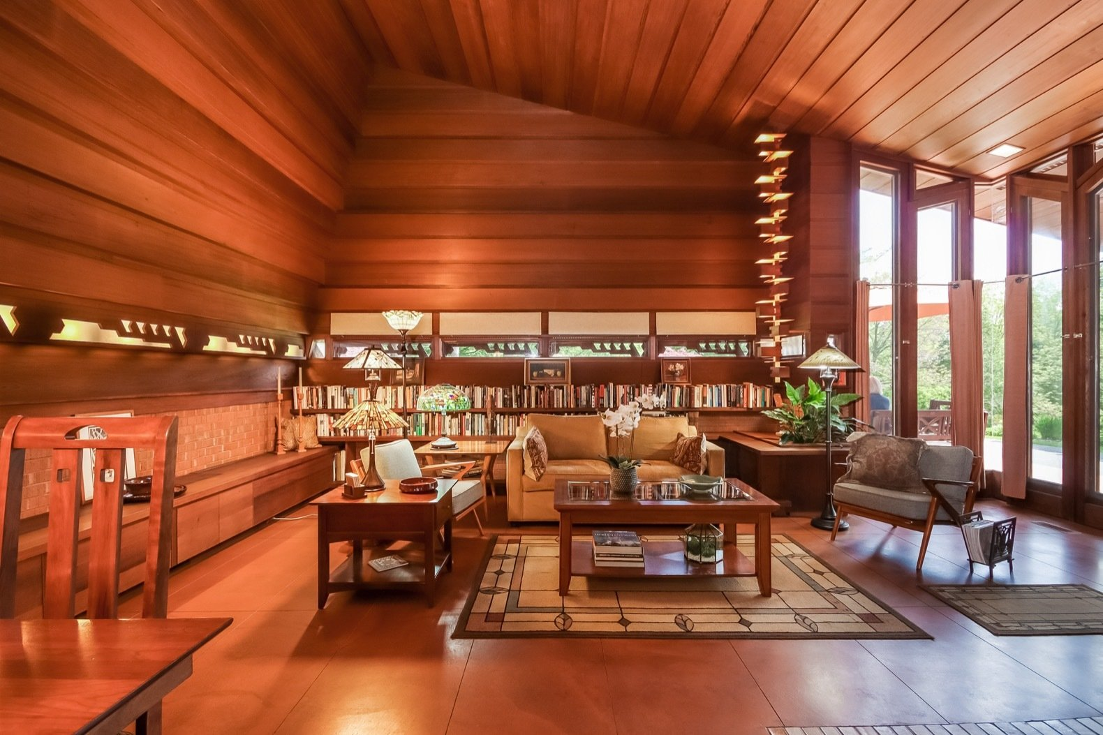 Photo 3 Of 17 In A Gorgeous Frank Lloyd Wright Home Hits