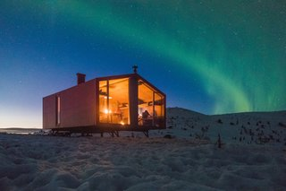 Set north of the Arctic Circle, Dubldom in Kandalaksha is perfectly positioned for views of the Northern Lights.