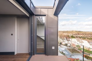 In total, the 1,530-square-foot loft conversion cost approximately £300,000 ($398,000.)