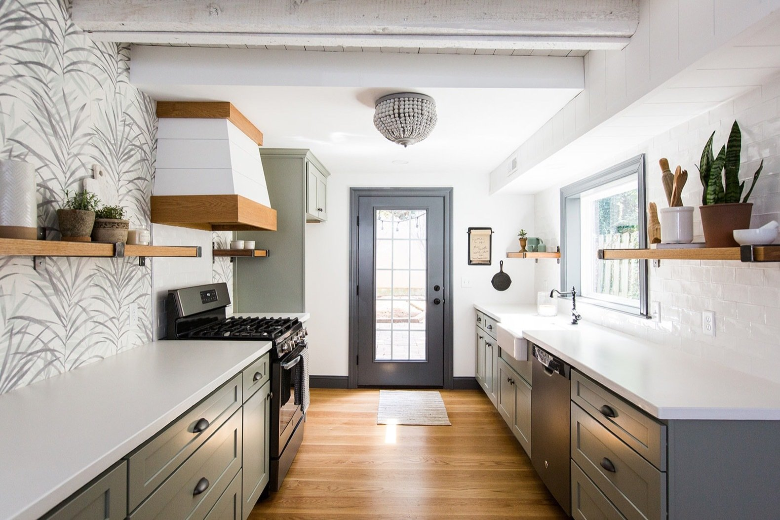 Before Amp After A Dark 1880s Row Home Gets An Airy