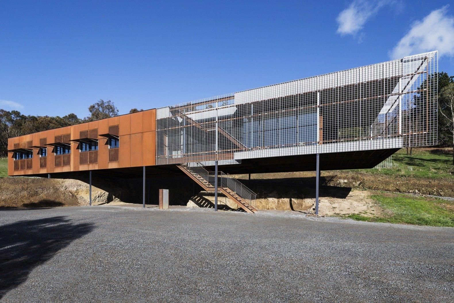 A Fire-Resistant House Cuts a Striking Figure in the Australian Bush