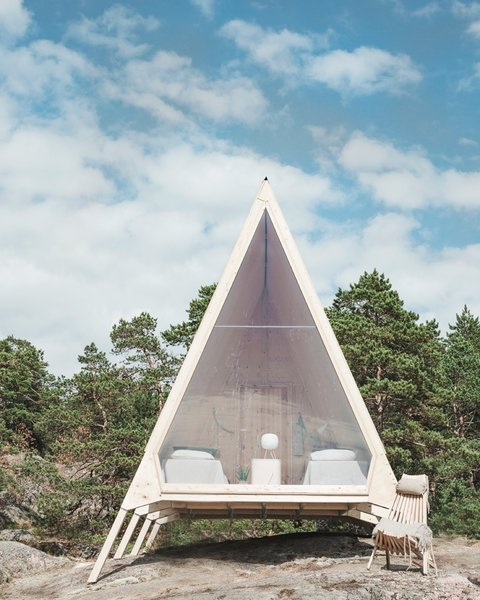Nolla Cabin can be accessed via a 20-minute boat ride from the Helsinki market square.