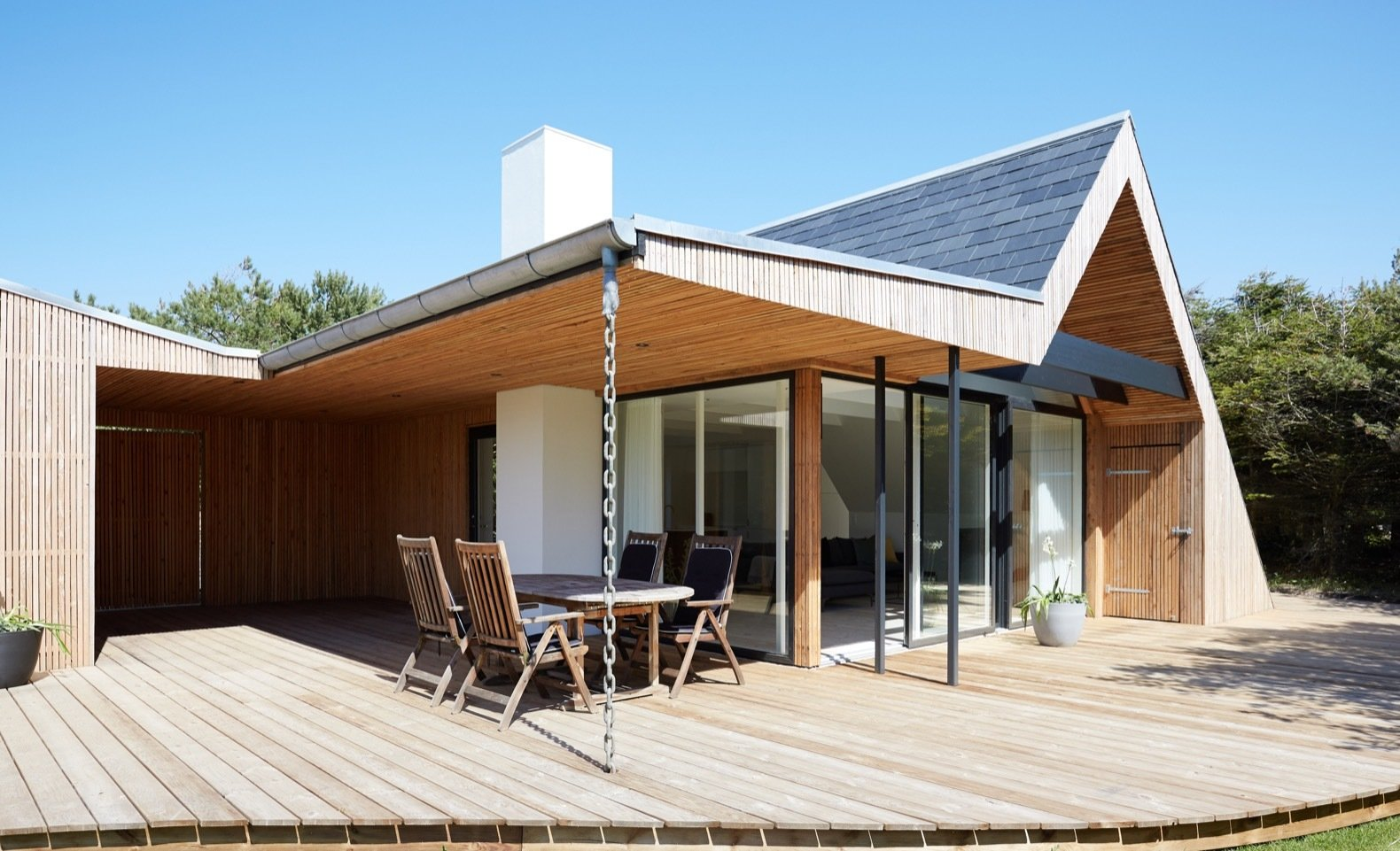 Revel in Scandinavian Design at This Seaside Holiday Home