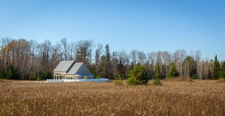 House for Beth is set on 16 acres of open field in Door County, a Wisconsin peninsula on Lake Michigan known for farming.