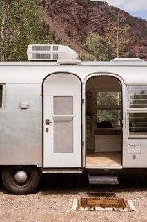 When Bonnie and David purchased the Airstream, the previous owner had already added new axles, updated plumbing and electrical, and new cabinetry.