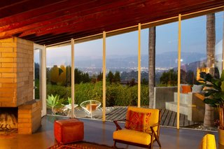 Nestled in the Hollywood Hills just above Runyon Canyon, the Bergren Residence boasts sweeping views of the San Fernando Valley.