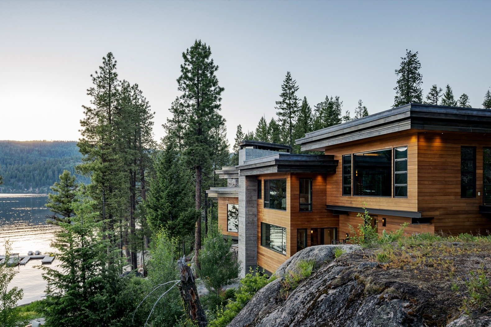This Modern Cliff House Seamlessly Knits Into A Rocky
