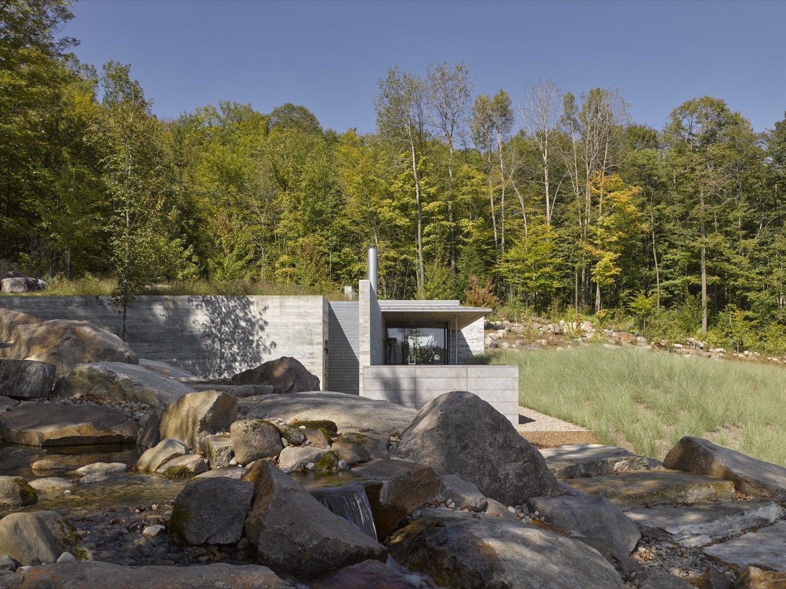 Pool House by MacKay-Lyons Sweetapple Architects