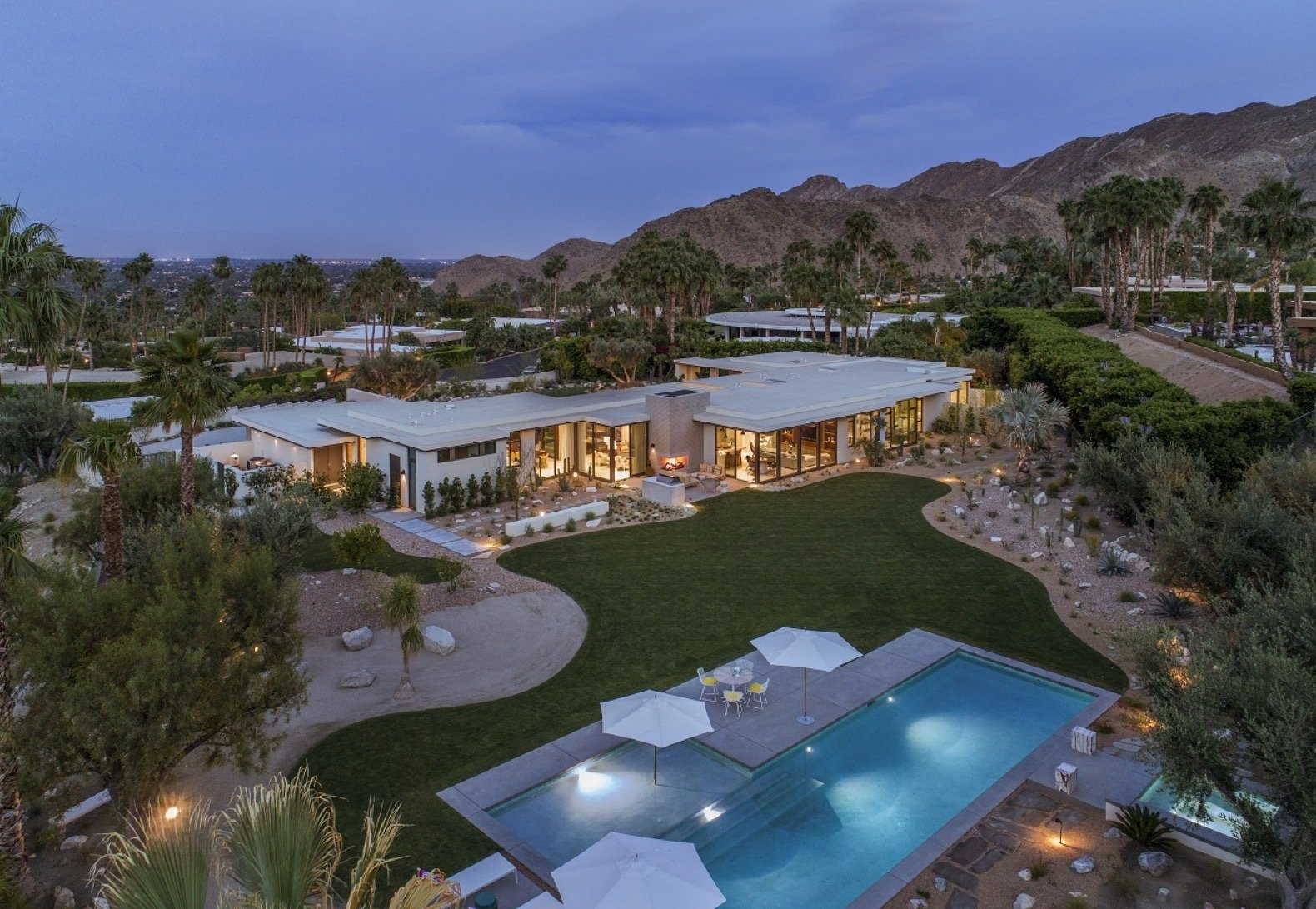 A Stale Desert Midcentury Gets a Punched-Up Personality