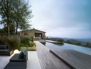 Top 5 Homes of the Week That Interact With the Landscape - Photo 1 of 5 -