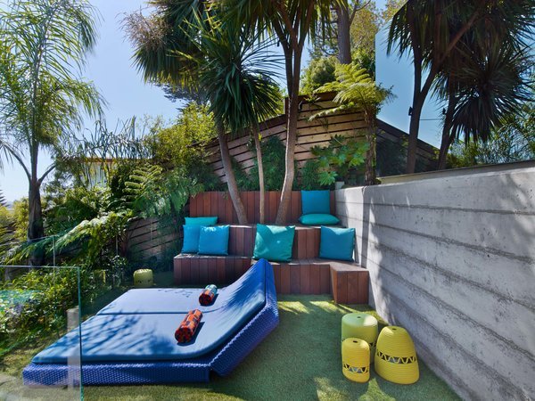 Outdoor Party Pad by SCULPT Gardens