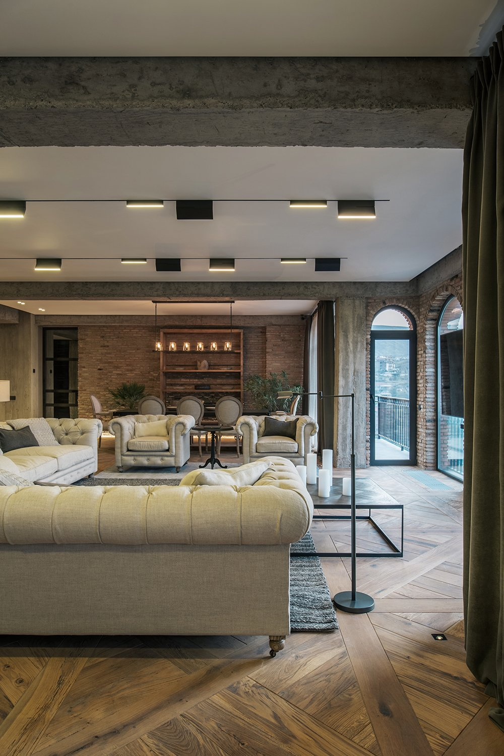 Living Room  Rustic style apartment in Georgia by YODEZEEN