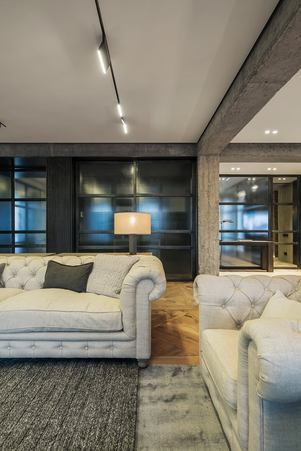 Rustic style apartment in Georgia by YODEZEEN