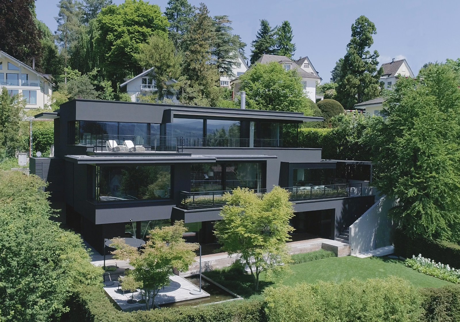 Exterior and House Building Type  Object 336 - beautiful blackbox by meier architekten zurich