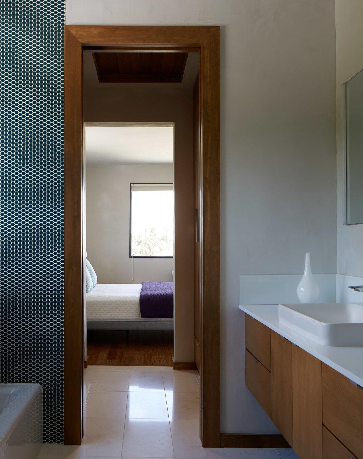 Bath Room  Lake Waxahachie Home by Mark Odom Studio