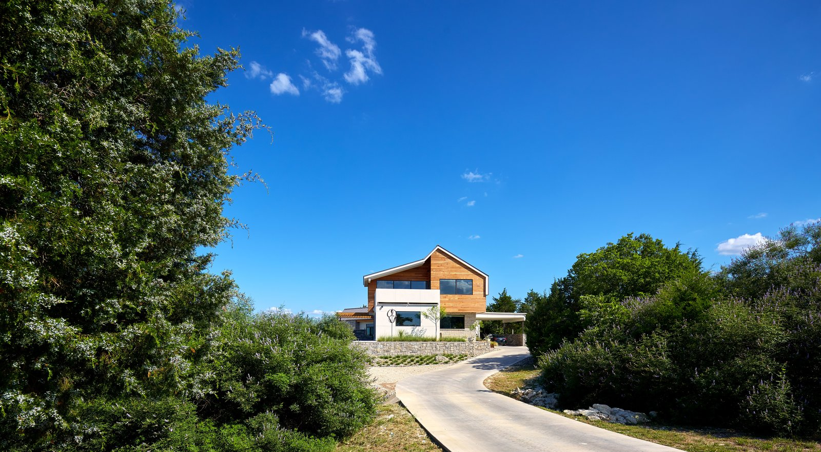 Exterior and House Building Type  Lake Waxahachie Home by Mark Odom Studio