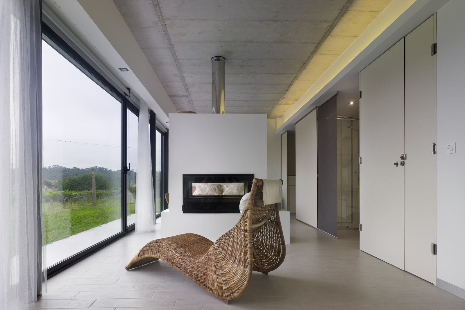 Living, Bench, Two-Sided, Wall, Ceiling, and Ceramic Tile  Best Living Bench Two-Sided Photos from Vivienda Villagarcía