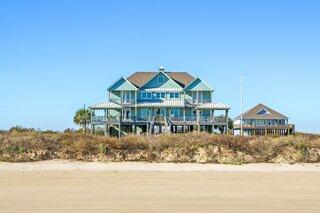 Coastal Texas Home of Late Jason's Deli Founder on the Market for $1.55 Million