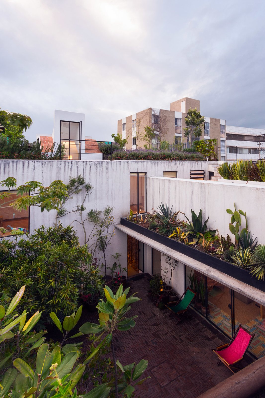 Outdoor, Rooftop, Gardens, and Horizontal Fences, Wall  Veramendi House