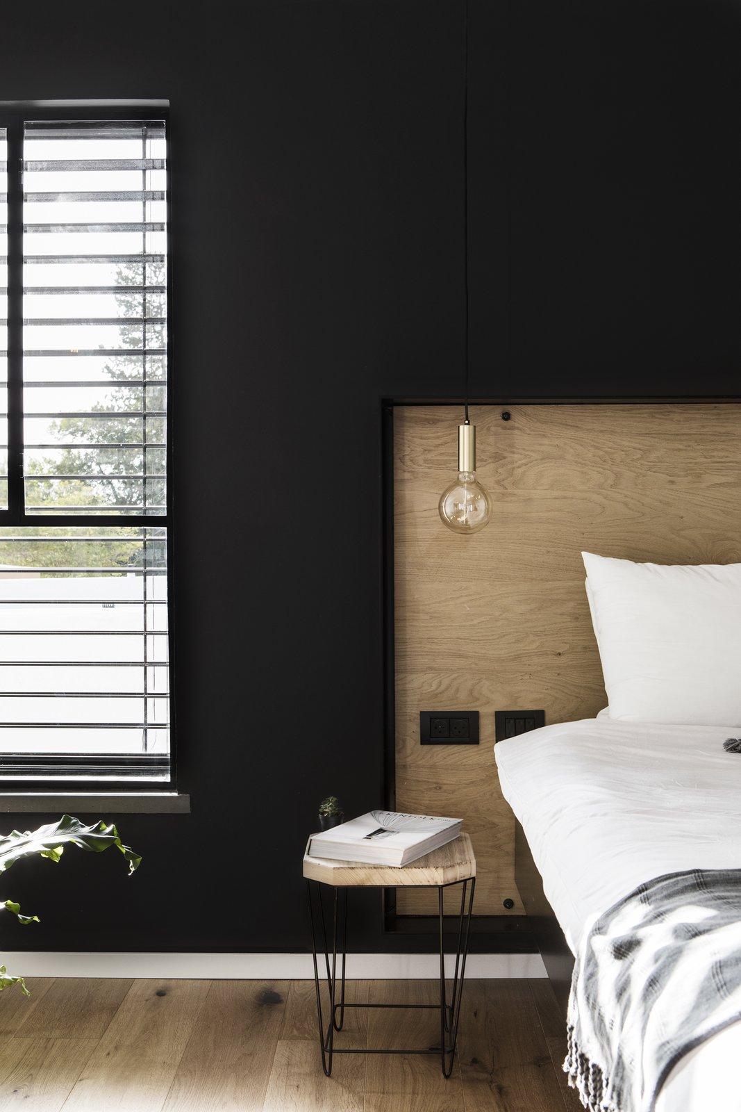 Bedroom  Nir Am House by Shir Shtaigman