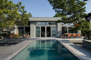 Top 5 Homes of the Week With Pools That Make a Splash - Photo 4 of 5 -