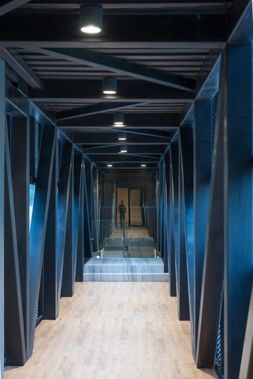 Hallway  M-4 House by C Cúbica Arquitectos