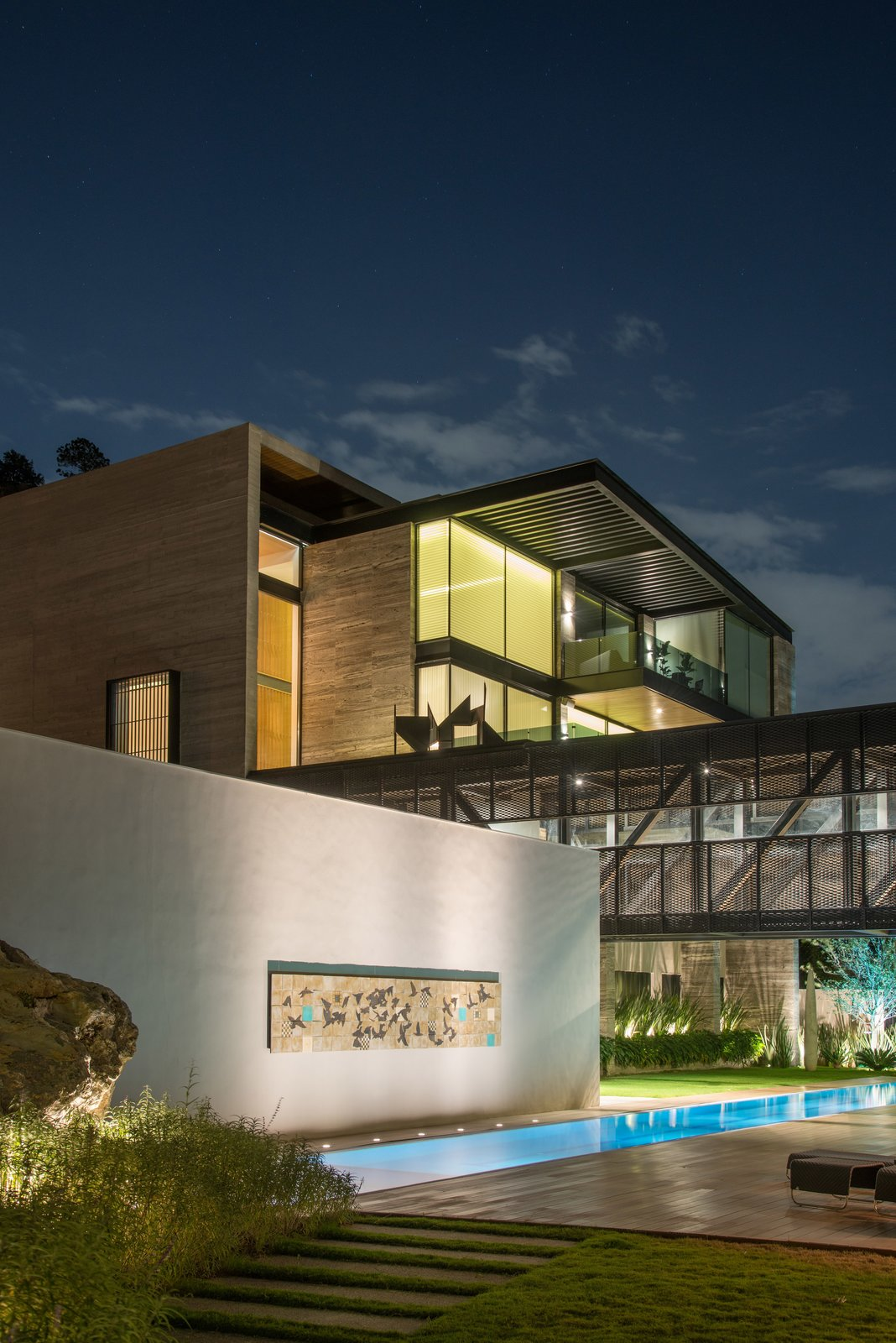 M-4 House by C Cúbica Arquitectos