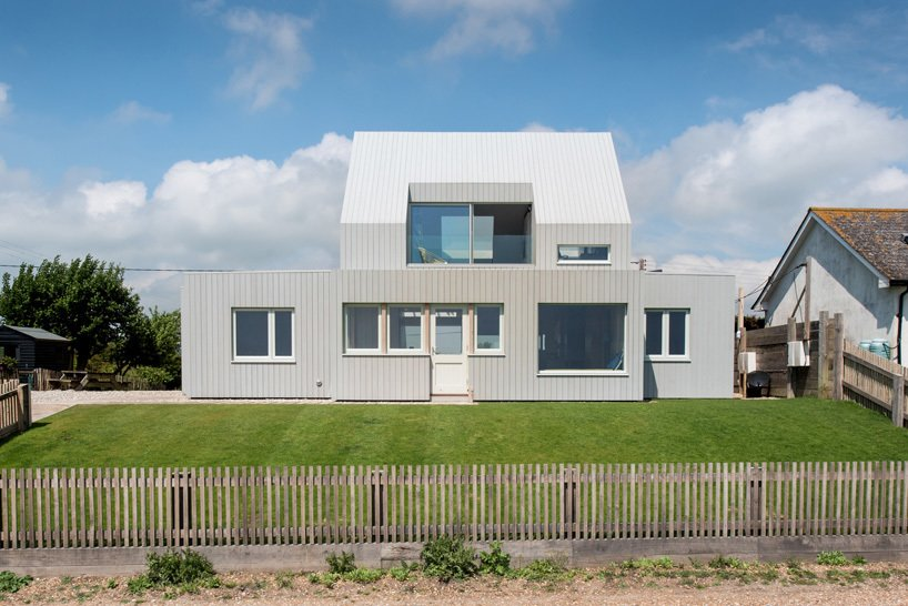 Exterior, House Building Type, and Beach House Building Type  Chalfont Beach by RX Architects