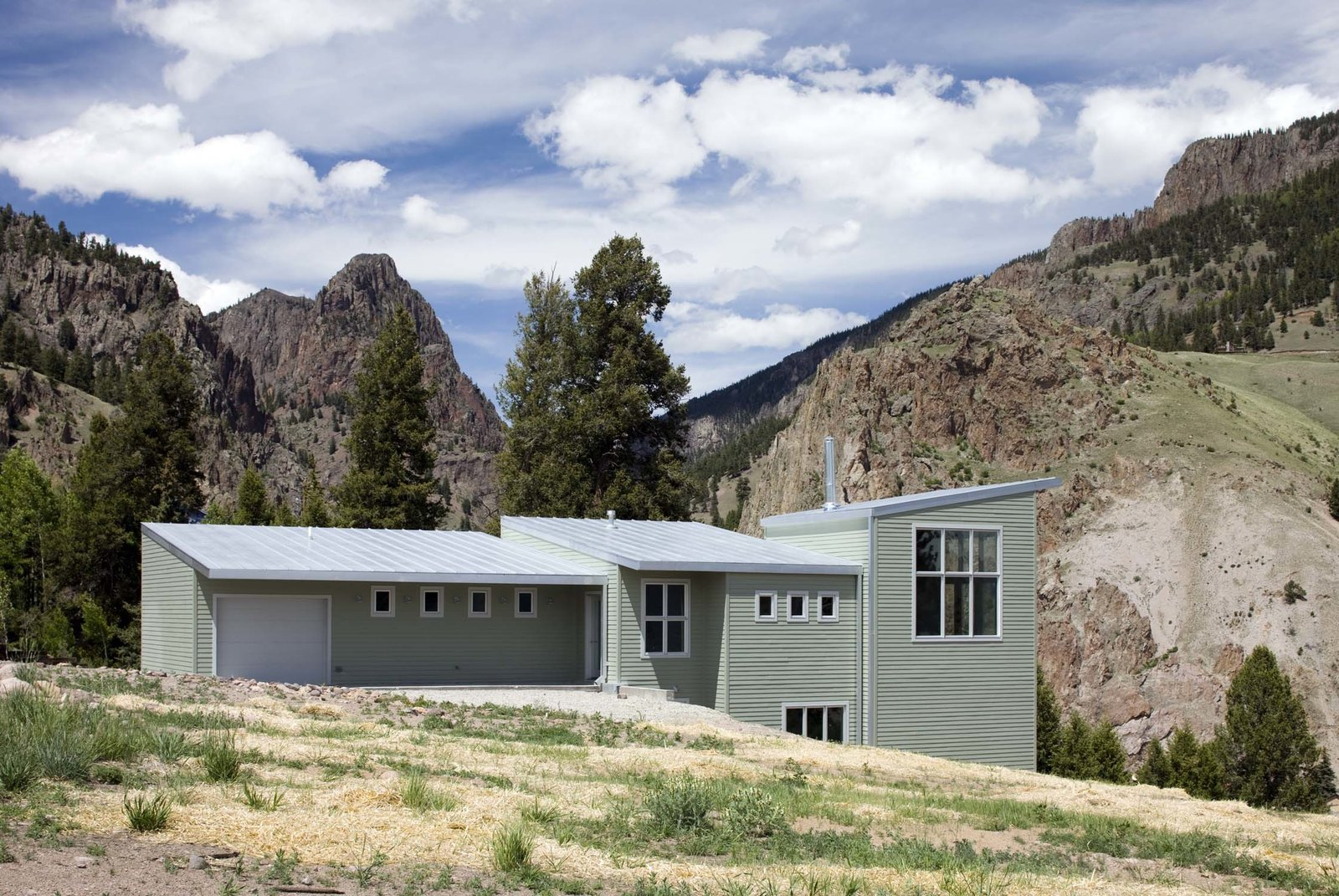 Exterior, House Building Type, Shed RoofLine, and Metal Roof Material  Cliff House