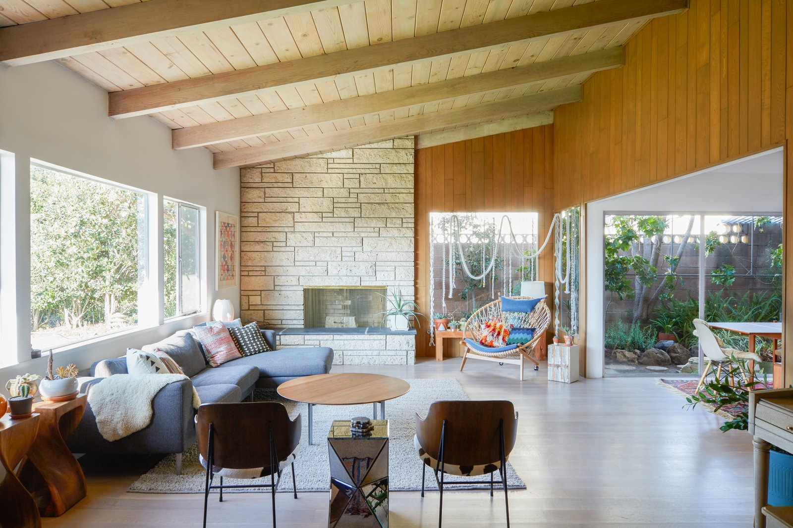 Top 5 Homes of the Week That Embrace California Living