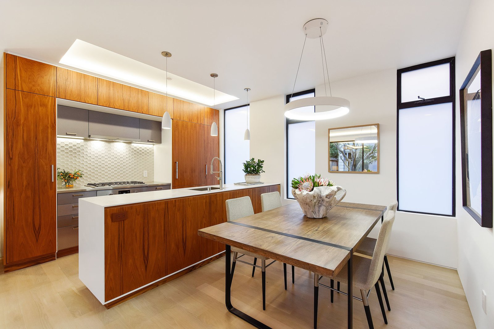 Dining Room and Pendant Lighting  For Sale: 188 Quane Street
