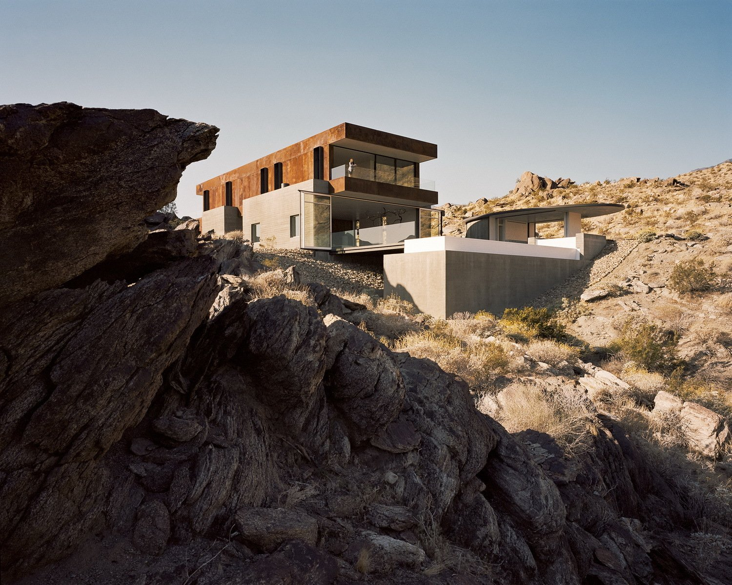 Outdoor, Desert, Concrete Patio, Porch, Deck, Back Yard, Shrubs, Boulders, Hardscapes, Infinity Pools, Tubs, Shower, and Slope  Ridge Mountain Residence by Ehrlich Yanai Rhee Chaney Architects