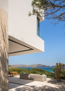 Top 5 Homes of the Week With Sweeping Views - Photo 3 of 5 -