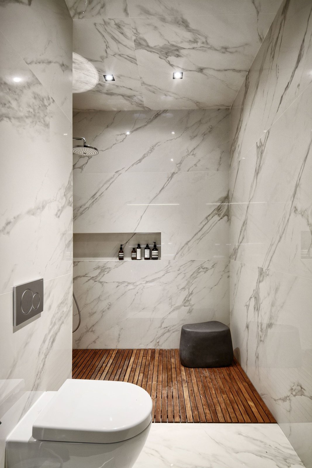 Bath, One Piece, Ceiling, Ceramic Tile, Stone Tile, and Open  Best Bath Open Stone Tile Photos from Interior AM