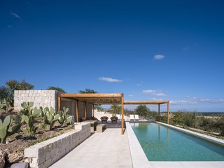 Top 5 Homes of the Week With Plunge-Worthy Pools - Photo 5 of 5 -