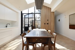 A London Shed Becomes an Airy Home Lit By Three Courtyards - Photo 3 of 13 -