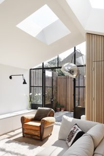 A London Shed Becomes an Airy Home Lit By Three Courtyards - Photo 4 of 13 -