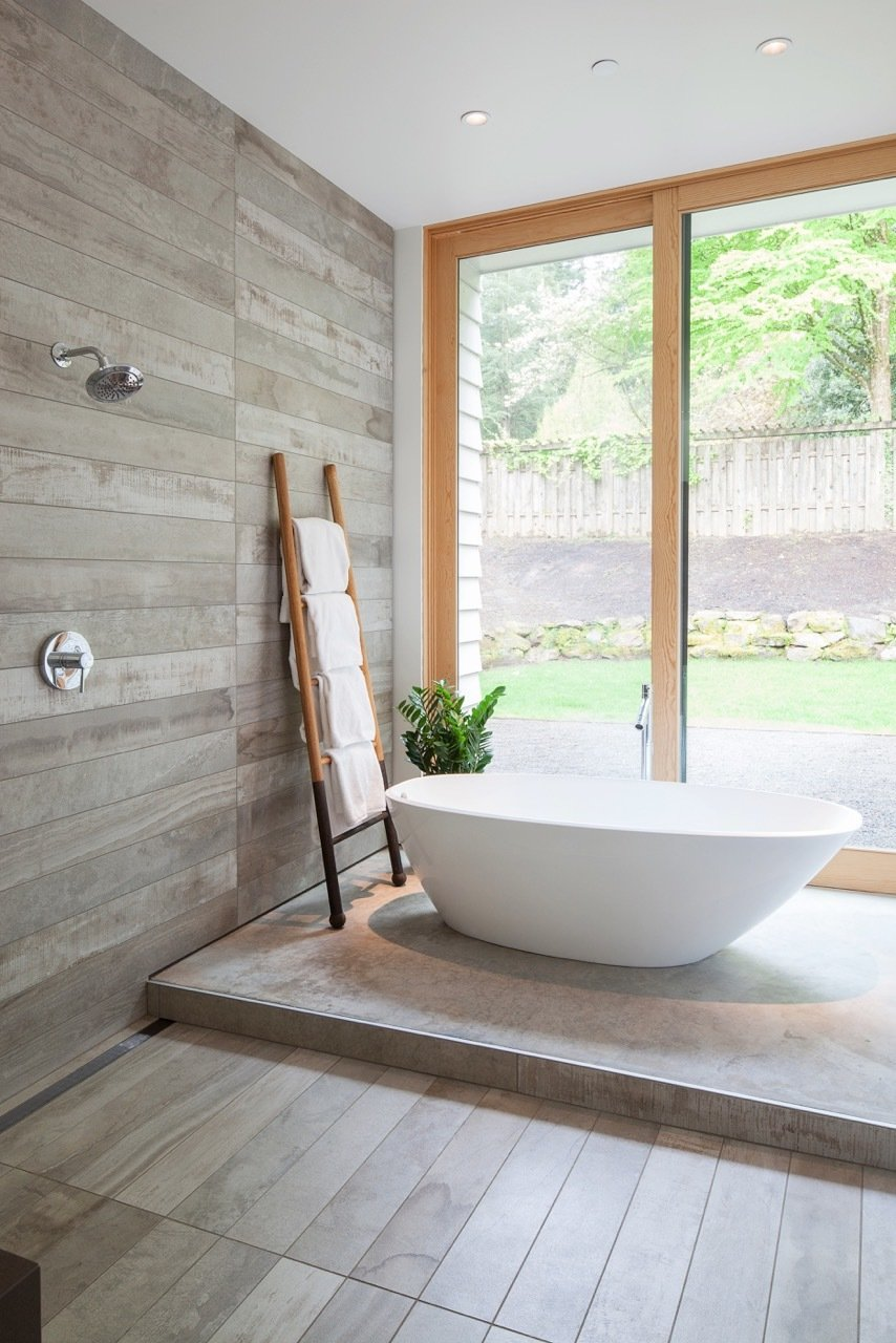 Bath, Freestanding, Open, Porcelain Tile, and Porcelain Tile  Best Bath Freestanding Porcelain Tile Photos from Idea House