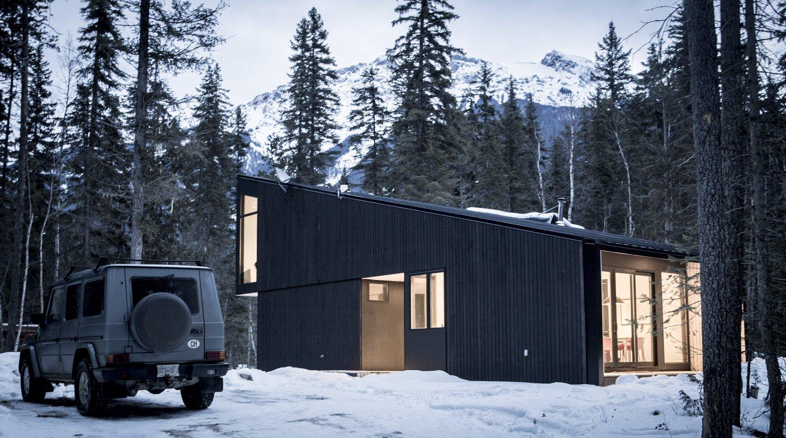 Exterior  Pioneer Cabin