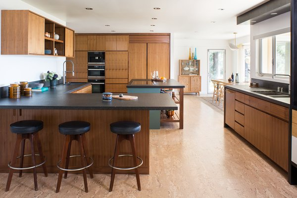 Top 5 Homes of the Week That Ooze Midcentury Modern Vibes - Photo 1 of 5 -