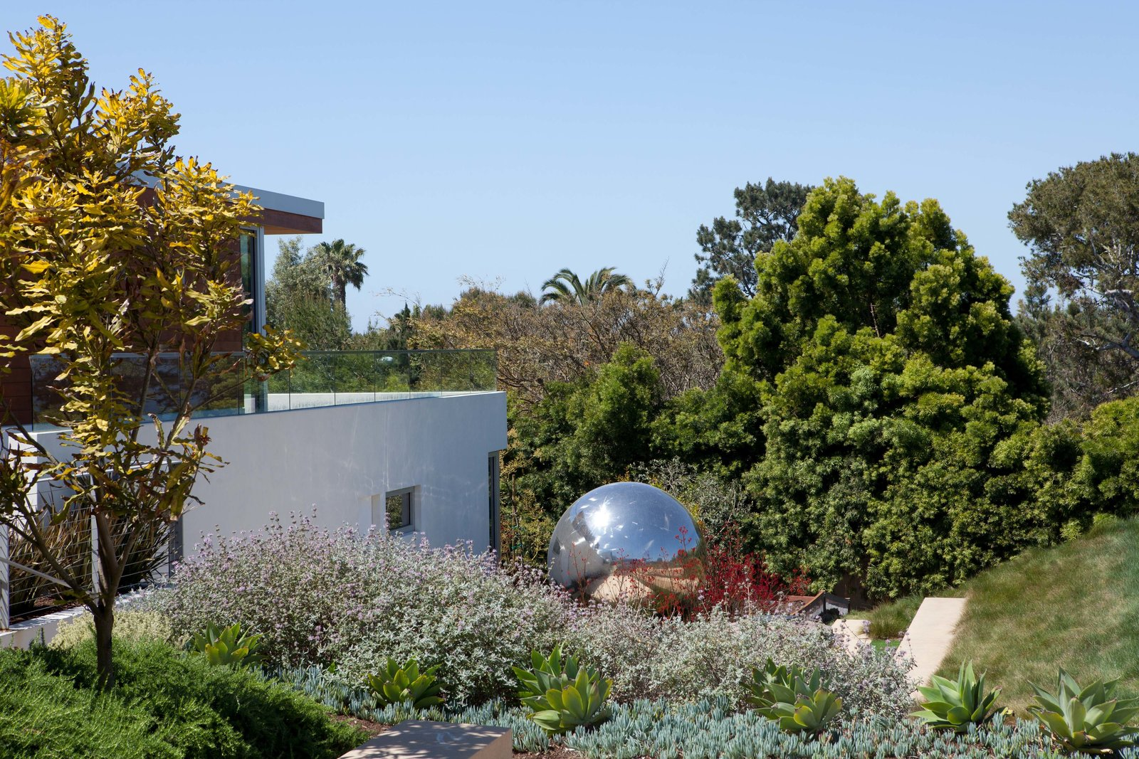 Exterior  Observatory House by Safdie Rabines Architects