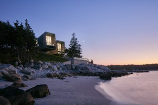 Top 5 Homes of the Week With Waterfront Views - Photo 5 of 5 -