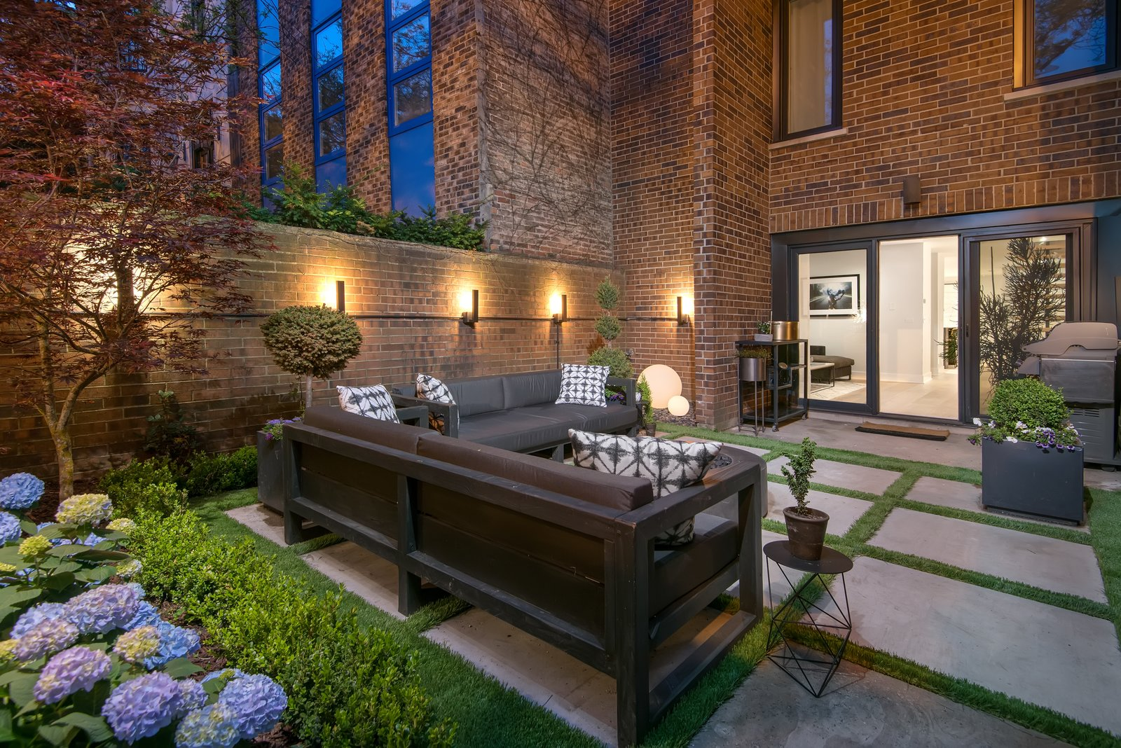 Old Town Rehab Modern Home in Old Town, Chicago, Illinois on Dwell