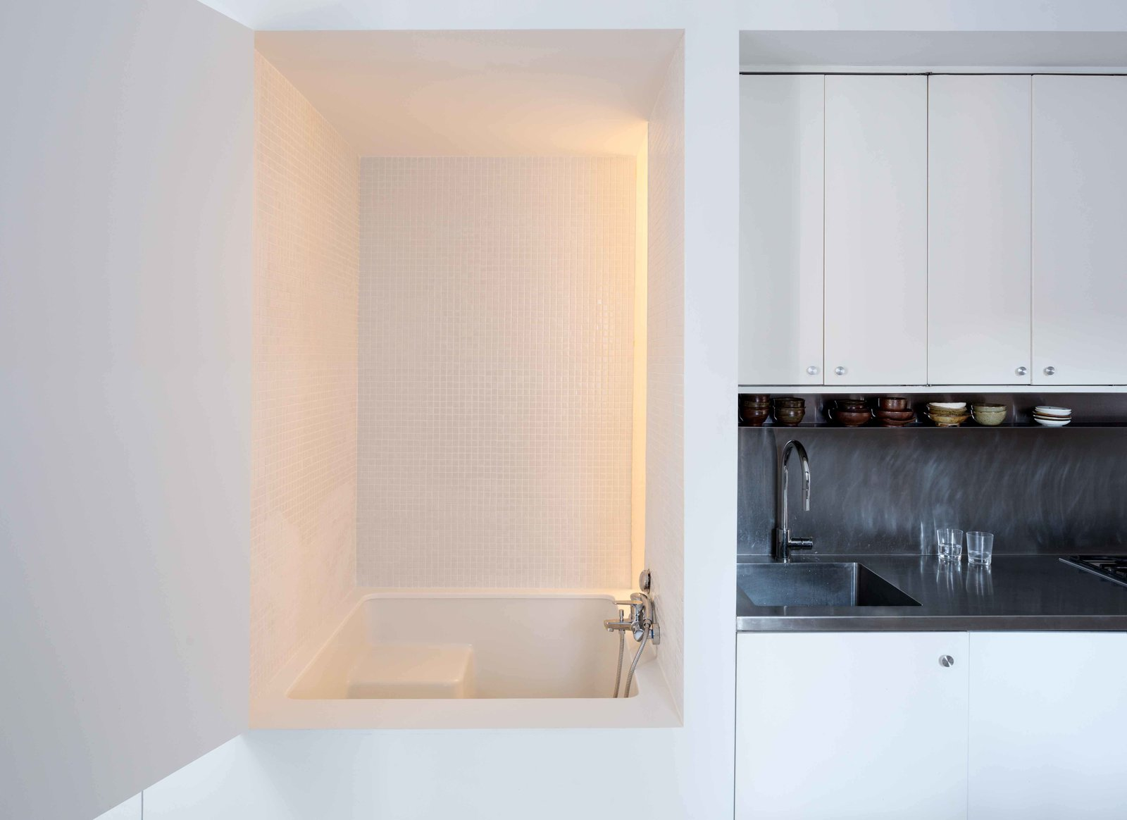 Bath, Alcove, Engineered Quartz, Ceramic Tile, Open, and Recessed  Best Bath Alcove Ceramic Tile Photos from Ridgewood Townhouse