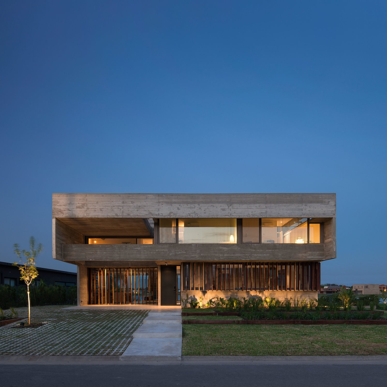 Exterior, Concrete Siding Material, House Building Type, and Flat RoofLine  10 House by Luciano Kruk arquitectos
