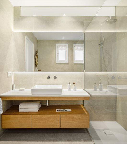203 Bathroom Ceramic Tile Walls Design Photos And Ideas. Filter