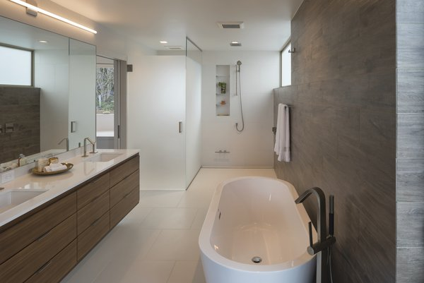 Bath, Full, Wall, Recessed, Undermount, Porcelain Tile, Open, Ceiling, Freestanding, Soaking, One Piece, Engineered Quartz, and Porcelain Tile  Best Bath Undermount One Piece Freestanding Porcelain Tile Recessed Photos from Farwell