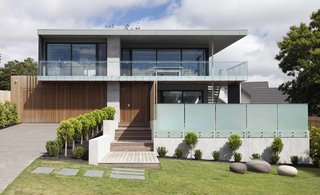 Top 4 Homes of the Week With Impressive Modern Exteriors - Photo 2 of 4 -