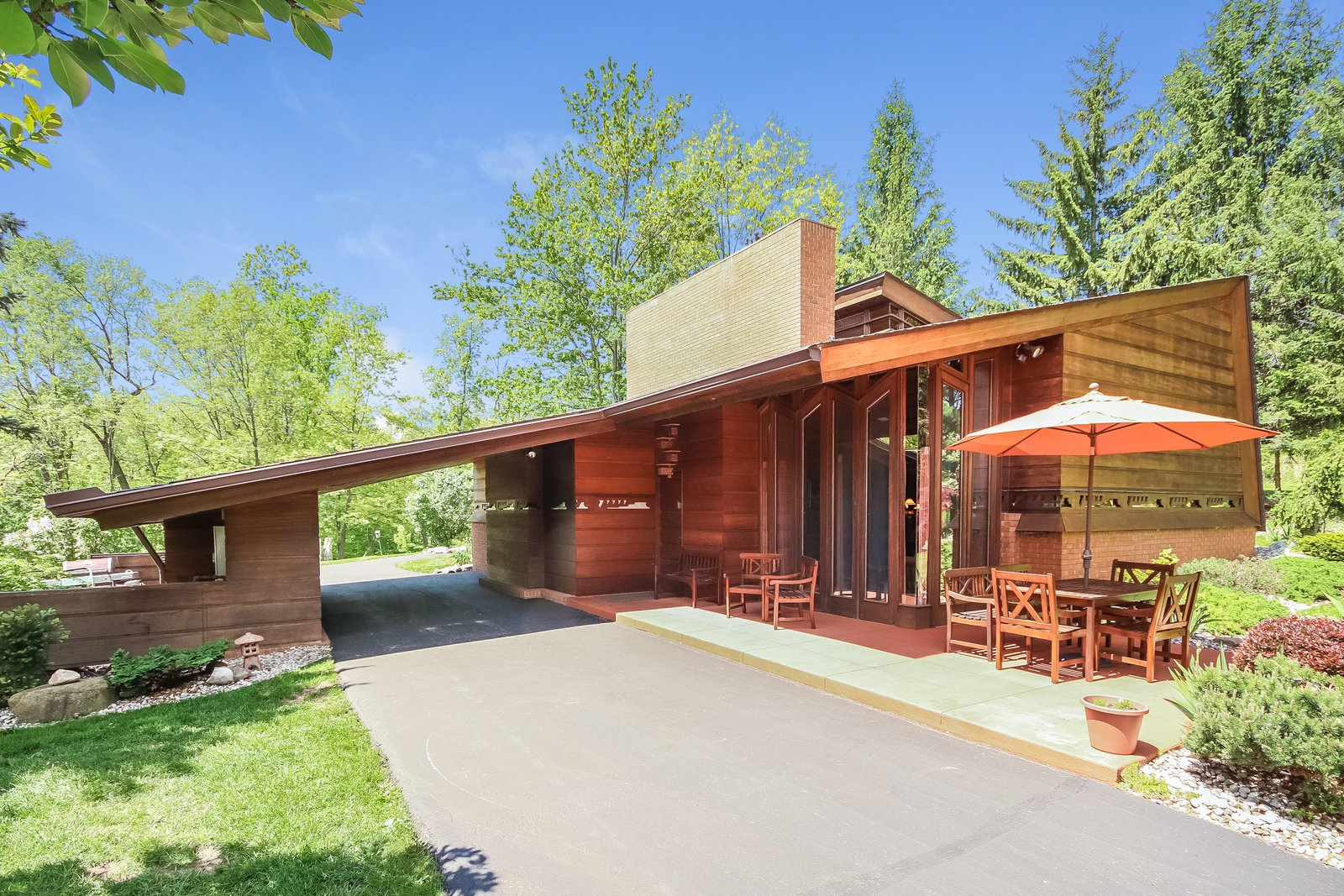 Exterior, Wood Siding Material, and House Building Type  Frank Lloyd Wright's Small Masterpiece: The Haddock House